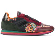 Sneakers mit Paisley-Einsätzen