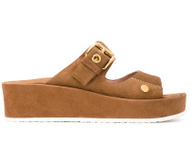 Sandalen mit breiter Sohle