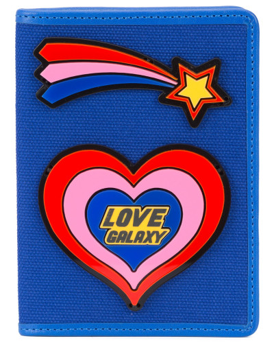 Pass-Etui mit Herz-Patch