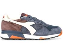 Sneakers mit texturierten Einsätzen
