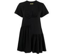Gerafftes Kleid mit Einsätzen