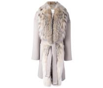 Mantel mit Fuchspelzkragen