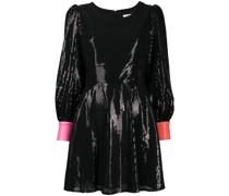 Kleid mit herzförmigem Cut-Out