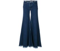 Ausgestellte Jeans mit weitem Bein