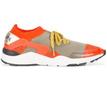 Sneakers mit gestricktem Einsatz