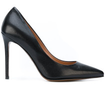 pointed stiletto pumps