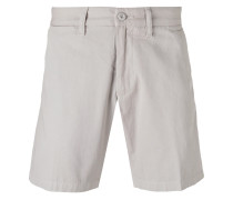 - logo patch chino shorts - men - Baumwolle - 30