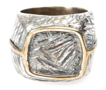 Eckiger Ring aus Bronze und Silber