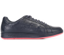 Sneakers mit Stern-Prägung