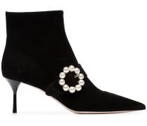Stiefel mit Perlen