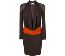 Kleid mit drapiertem Kragen