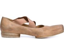 Ballerinas mit elastischen Riemen