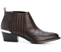 Stiefel im Western-Look