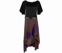 Asymmetrisches Kleid