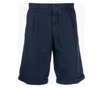 Chino-Shorts mit Faltendetails