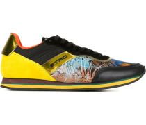 Sneakers mit bedruckten Einsätzen