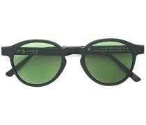 Sonnenbrille mit grünen Gläsern