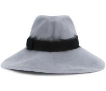 Hut mit breiter Krempfe