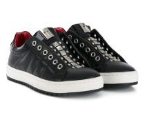 Sneakers mit Ösen