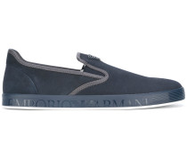 - Slip-On-Sneakers mit Logo-Schild - men
