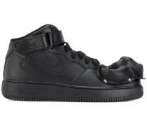 strap Nike Air sneakers