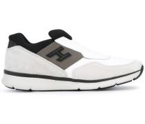 SlipOnSneakers mit Verzierungen