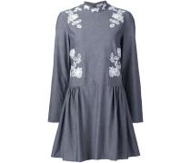 Kleid mit Makramee-Einsätzen