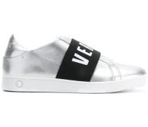 Metallic-Sneakers mit Logo-Riemen
