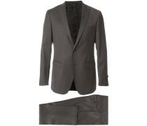Klassischer Anzug mit schmaler Passform