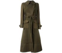 Mantel mit Falten