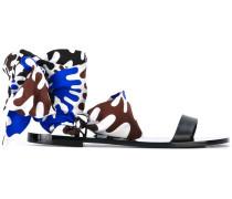 Sandalen mit Tuch-Detail - women
