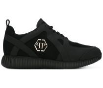 - Sneakers mit Logo-Prägung - men