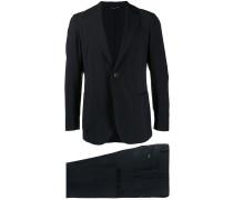 Anzug mit Ziernaht
