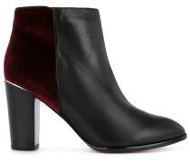 Stiefel mit kontrastierendem Einsatz