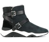 Stiefel mit doppeltem Riemen
