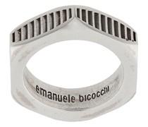Strukturierter 'Bolt' Ring