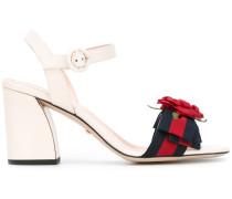 Sandalen mit Rose