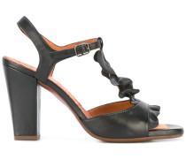 Sandalen mit Rüschen