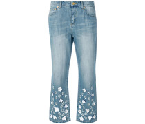 Cropped-Jeans mit Blumen-Applikationen