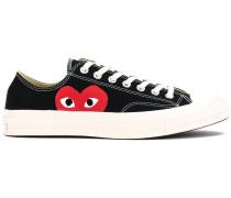 Sneakers mit Herz-Print