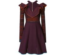 Kleid mit gerüschtem V-Ausschnitt