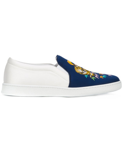 Slip-On-Sneakers mit Tiger-Stickerei