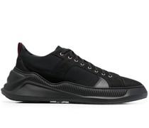 Free Sneakers
