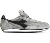 Sneakers mit Schnürung und Einsätzen
