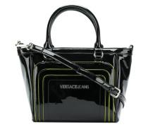 Handtasche in Lacklederoptik mit Logo