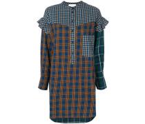 Kariertes Hemdkleid mit Rüschen