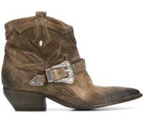 Stiefeletten im Western-Look