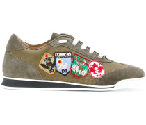 Sneakers mit Patches