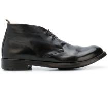 Klassische Schnürstiefel