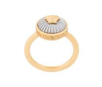 Medusa plate ring